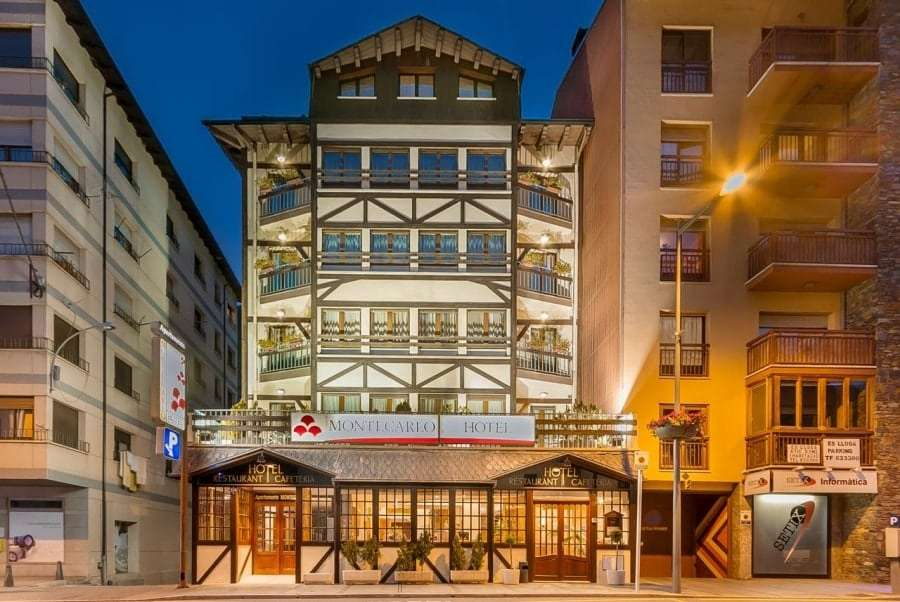 Андорра, Энкамп - отель Монте Карло