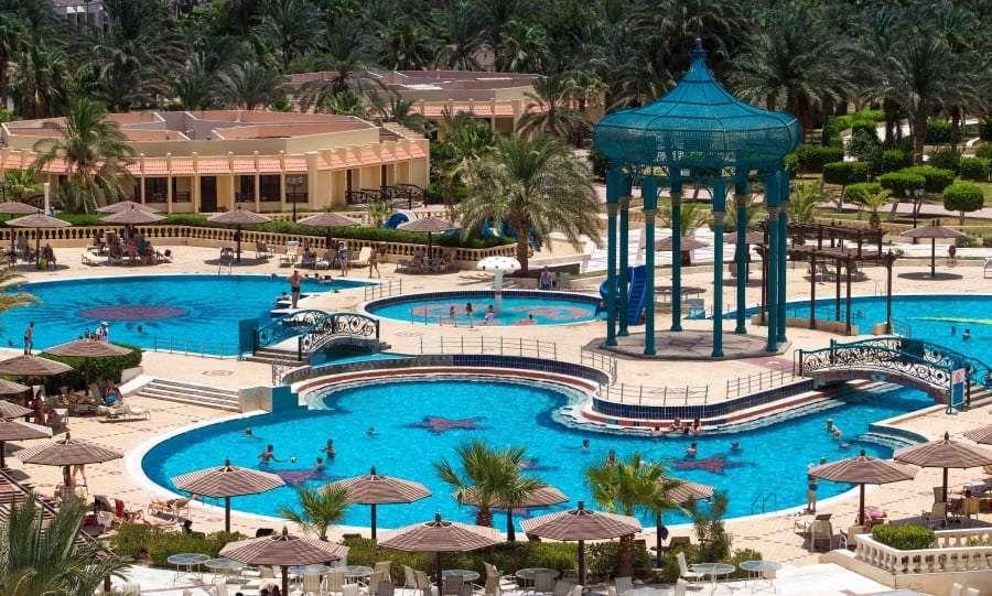 Отель с бассейном в Египте