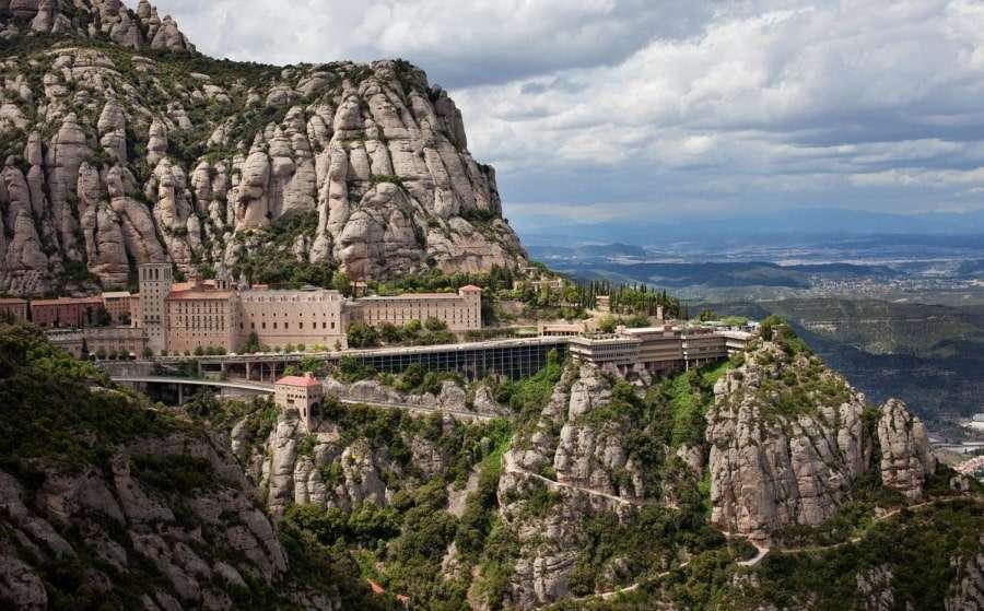 Монсеррат, монастырь