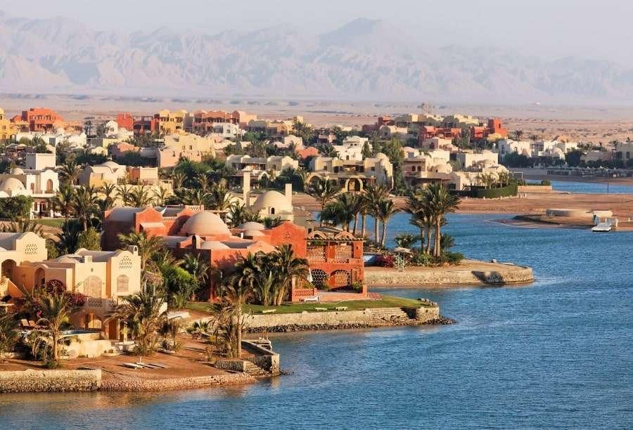 Вид на город Эль-Гуна с моря