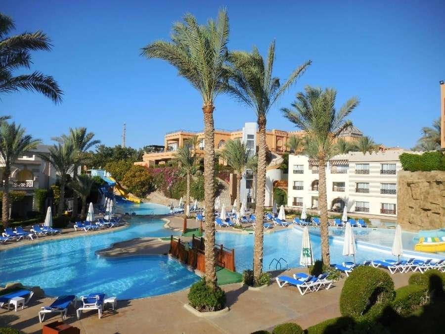 Фото 5-звездочного отеля Rehana Royal Beach Resort & Spa