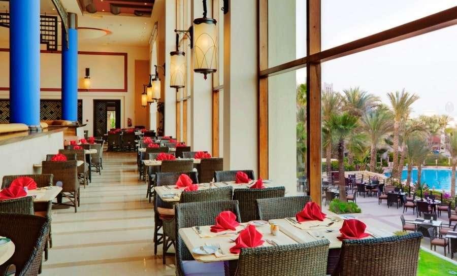 Ресторан при отеле Гранд Ротана в Шарме