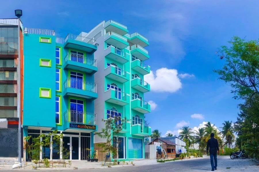 Фото 3-звездочного отеля Seasun Beach на Мальдивах