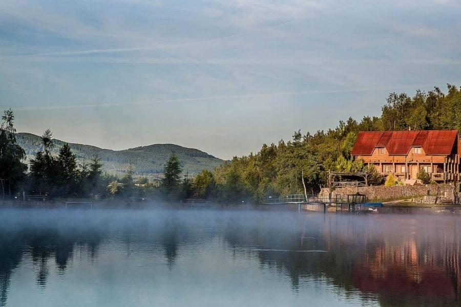Озеро в Закарпатье